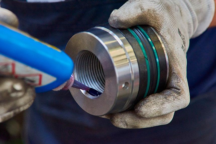 montaggio-cilindri-oleodinamici